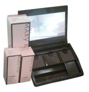 Other MARY KAY MAKEUP PALETTES LARGE AND MEDIUM SIZES BRAND NEW IN BOX