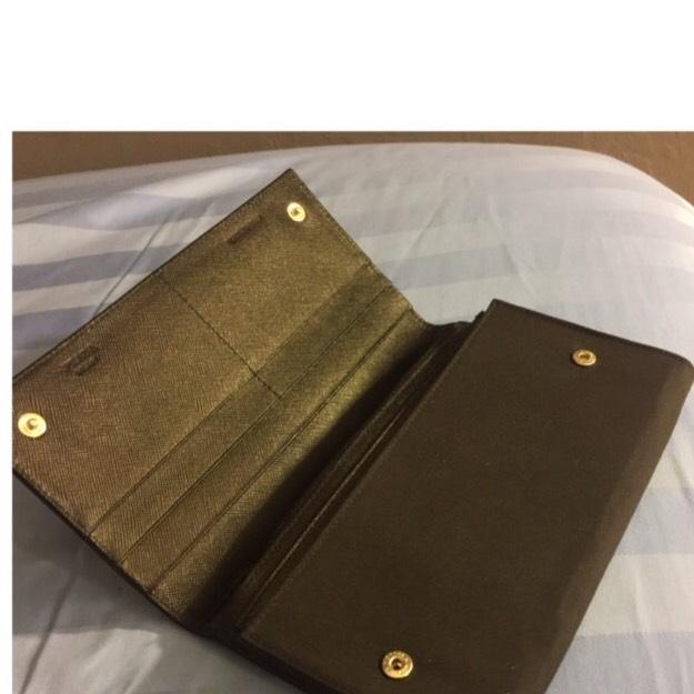 Awesome... nice nylon bifold wallet not