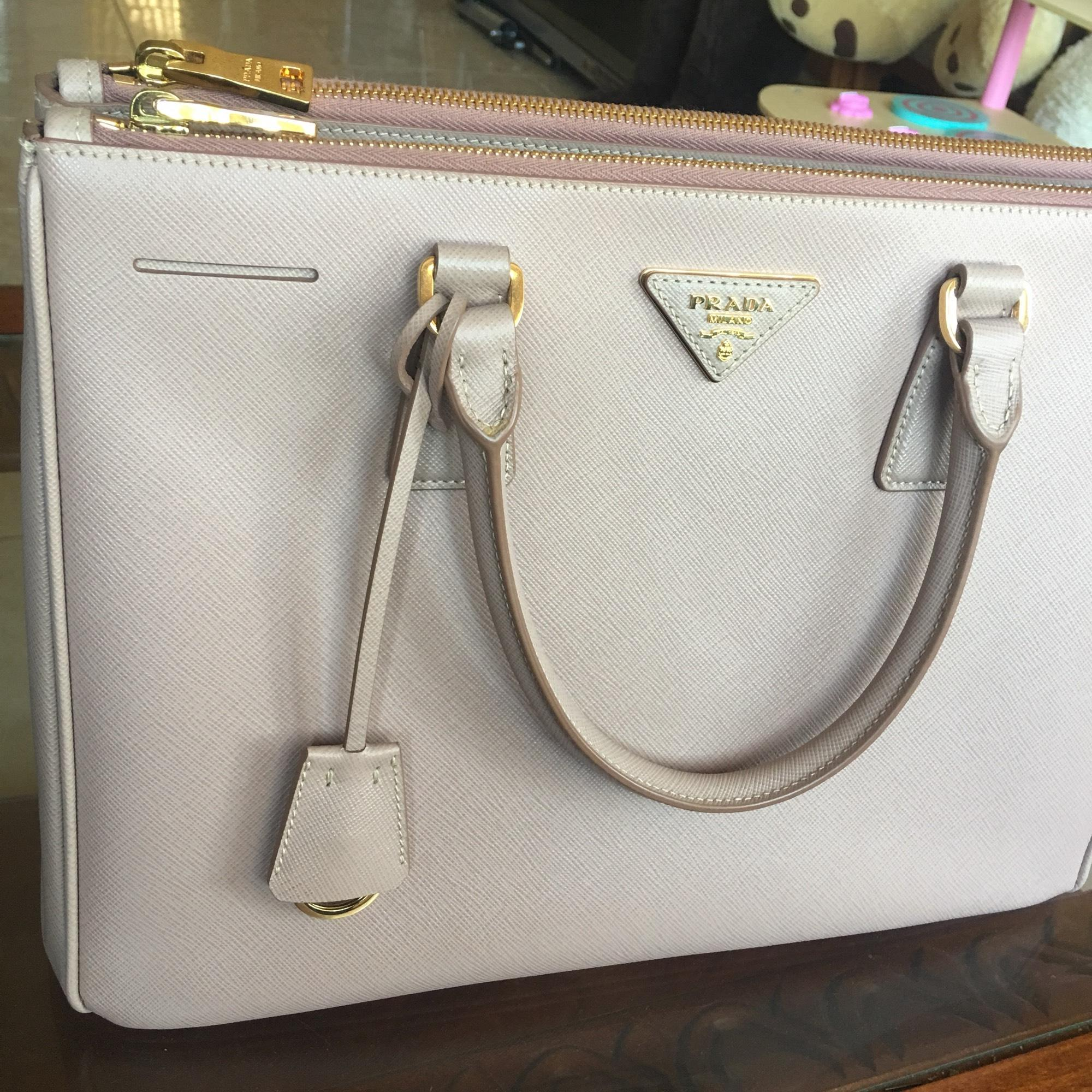 533d85605d8b ... cameo tote befb2 13d84 norway prada double zip tote cammeo saffiano  leather satchel tradesy 095eb 79e57 ...