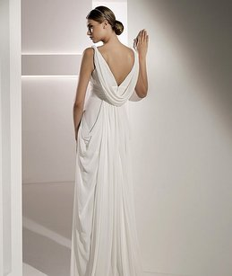 Pronovias Mali Wedding Dress