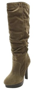 R2 Good Womens brown Boots