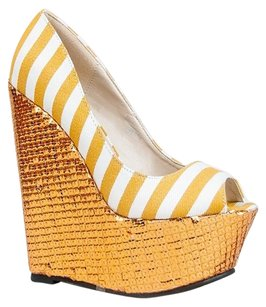 Red Kiss Yellow Wedges