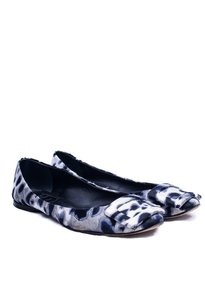 Roger Vivier Ballerina Blue and White Print Flats