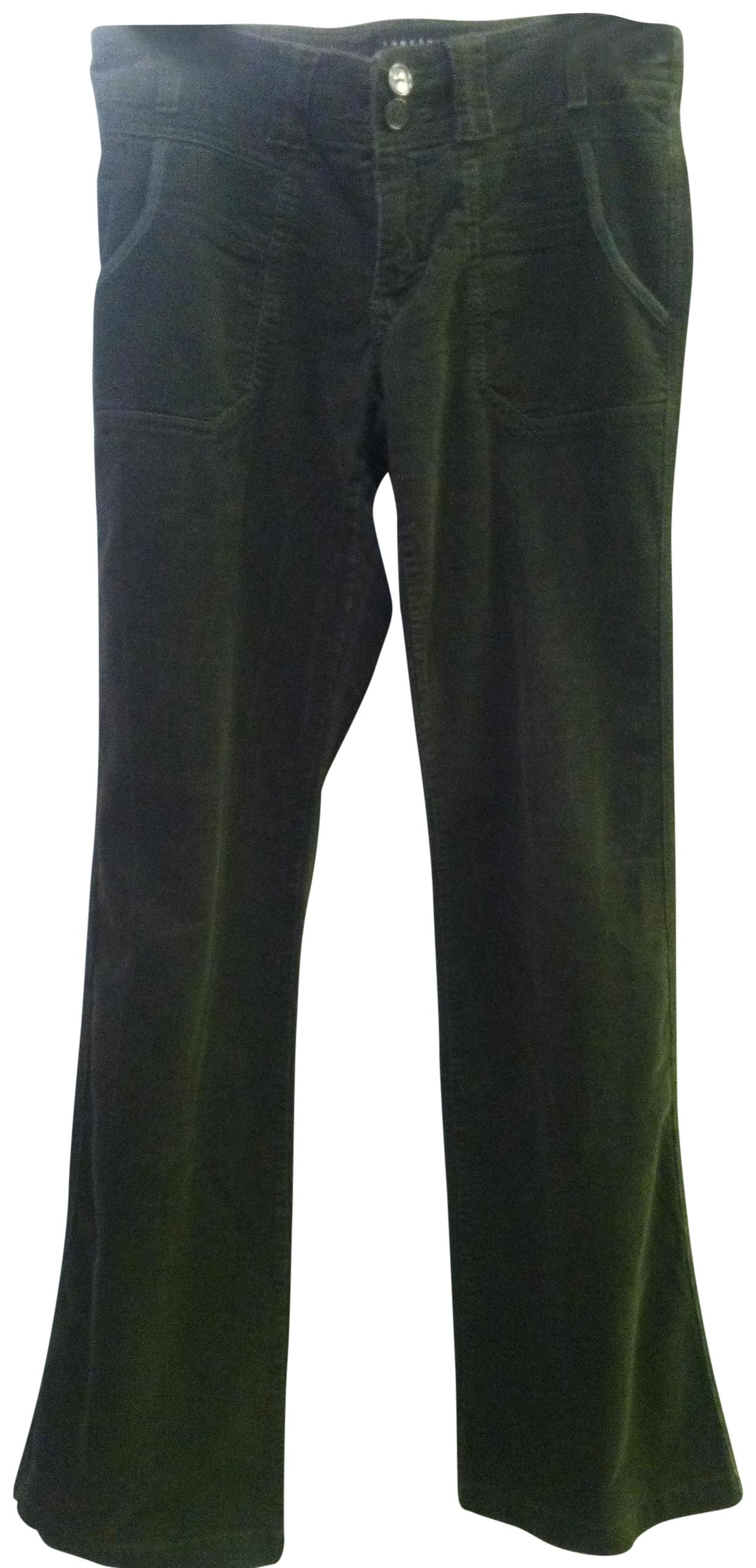 Crafted from % cotton, Olive Green Corduroy pants are the perfect combination of sharp tailoring and a casual sporty attitude, which makes it a versatile garment in a gents urban wardrobe. Wear it with matching waistcoat.