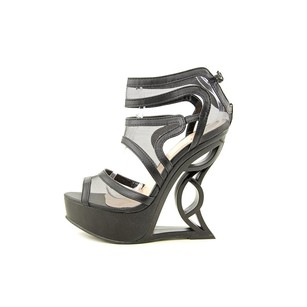 Shi by JOURNEYS Cut-out Black Wedges