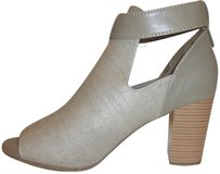 Solesensibility Nwt Grey and Tan Pumps