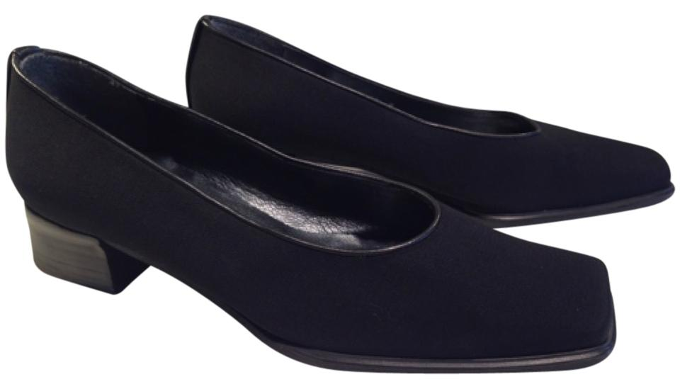 62de52706 Stuart Weitzman Black Waterproof Fabric with Nappa Leather Accents Accents  Accents Pumps Size US 8.5 Regular