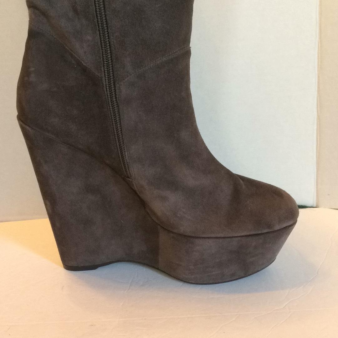 Stuart Weitzman Round-Toe Suede Wedges sale choice eastbay online edKDXiLHC