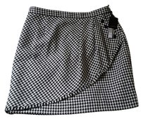 Tahari Mini Skirt Black and white
