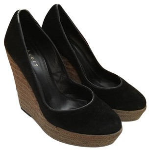 Theory Black Wedges