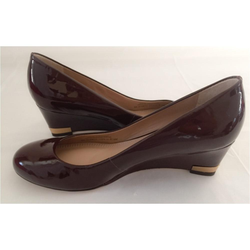 Tory Burch Dark Brown Astoria Patent Leather Wedges Size US 6.5 ...