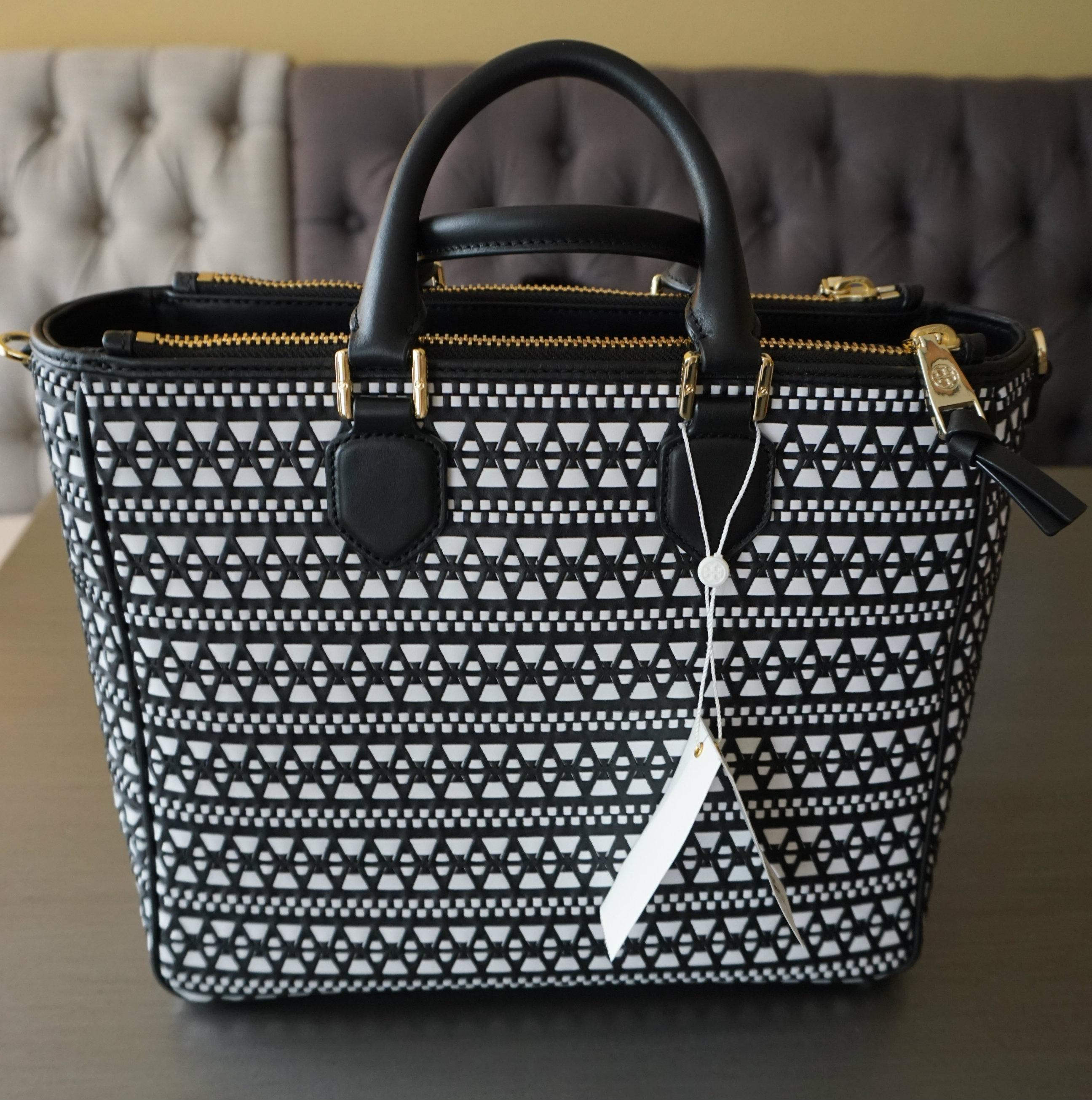 82ad9fbe6ce ... norway tory burch robinson woven square black white style 888736132611  black and white leather tote tradesy