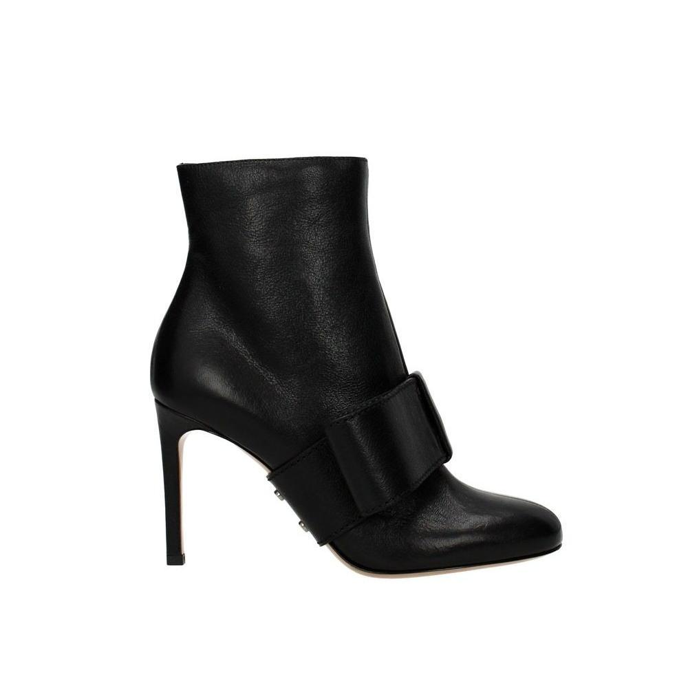 Valentino Black Garavani Leather Ankle Boots/Booties Size EU 39 (Approx. US 9) Regular (M, B)