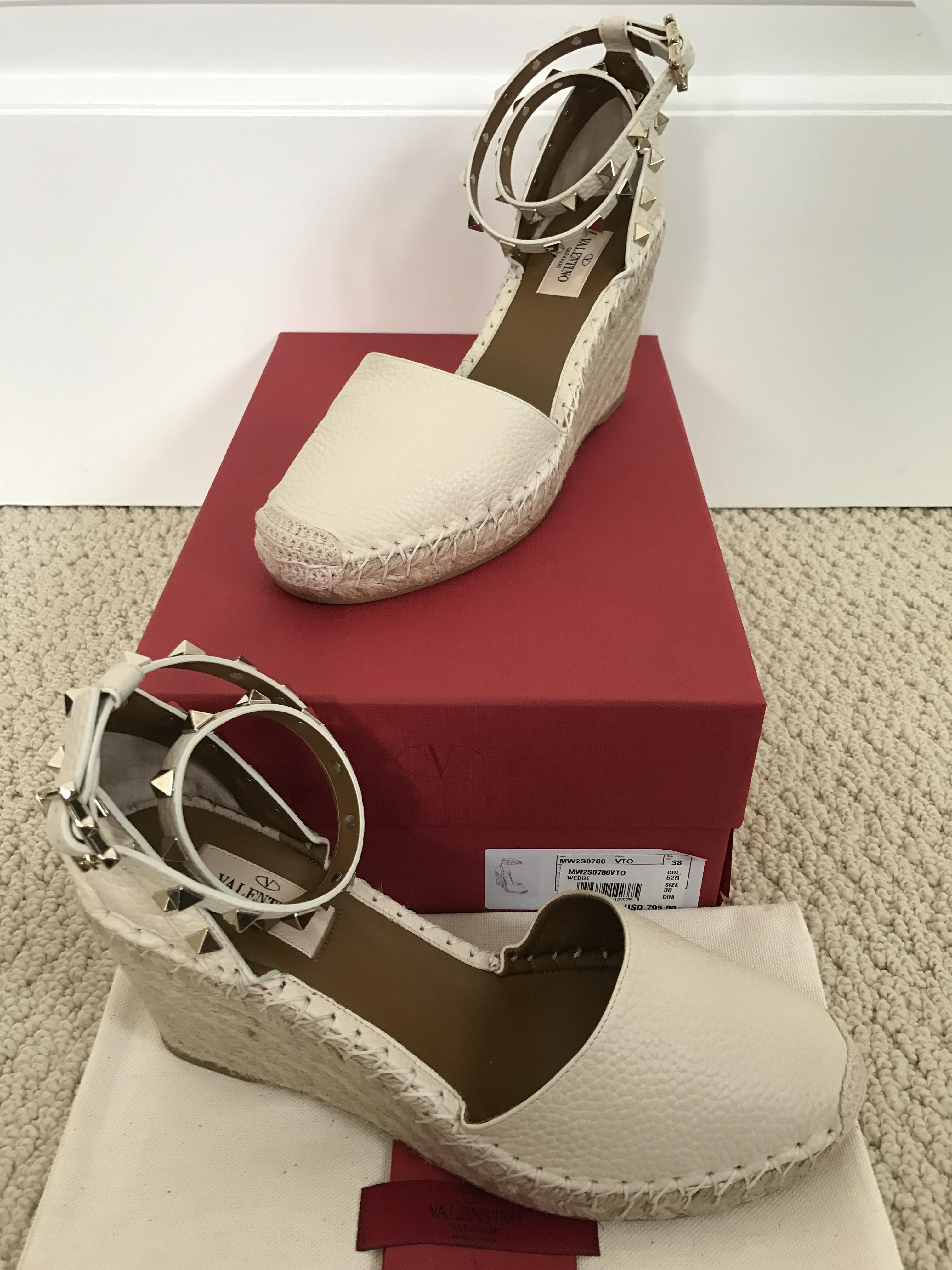 8e9342d783ee ... Valentino White Rockstud Leather Strap Espadrille Wedges Wedges Wedges  Size US 8 e32353