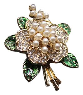 Van Sai Elegant Pearl Camelia Flower Bouquet Brooch Pin Green White Gold