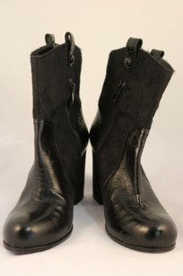 Vince Camuto Womens Black Boots
