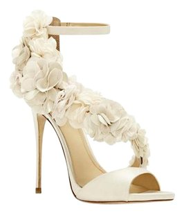 Vince Camuto Imagine Daphne Rosette Wedding Ivory Satin Luxe Sandals
