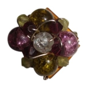 Vintage Gorgeous color Bushel brooch pin piece 1 by 1 inch