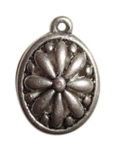 Vintage Unique Vintage Silver toned Necklace pendant .5 inch by .5 inch flower