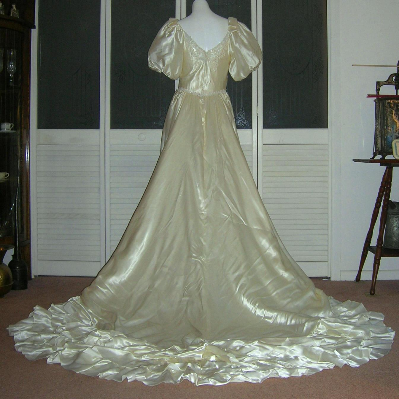 Vintage Liquid Satin Cinderella Bridal Gown Wedding Dress. Designer Wedding Dresses Images. Modern Zulu Traditional Wedding Dresses. Couture Tulle Wedding Dresses. Wedding Dresses Strapless Lace Up Back. Lace Wedding Dress Strapless. Wedding Dress Style Choices. Country Wedding Dresses For Mom. Oscar De La Renta First Wedding Dress