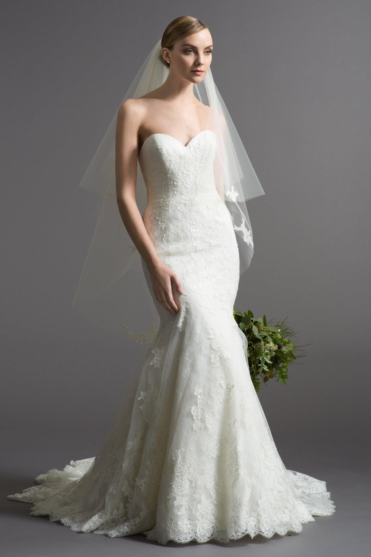 Watters Ivory Bouquet Lace Faustina 60168 Gown Traditional Wedding Dress  Size 0 (XS)