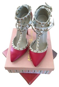 Wild Diva Rockstuds Red Pumps