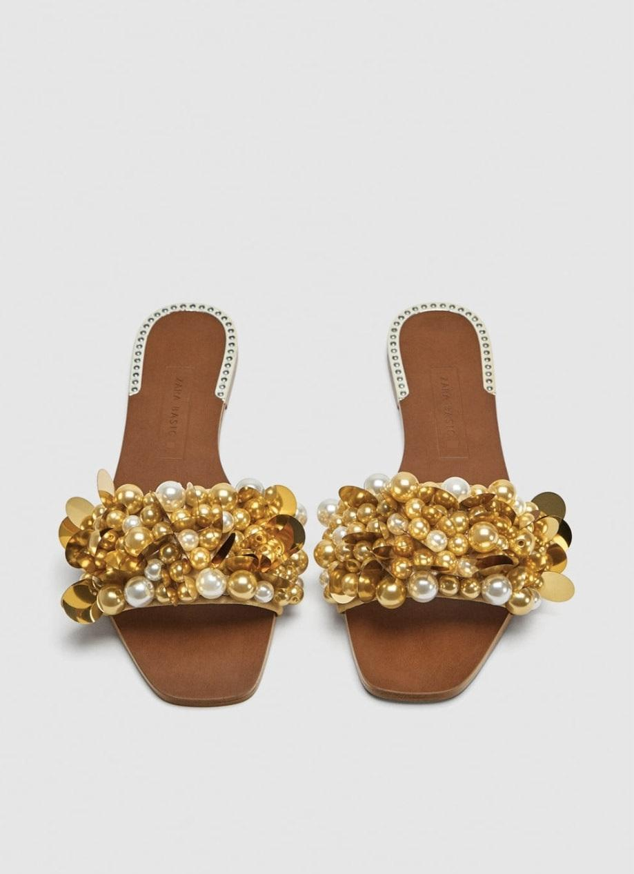 20945e54e174 ... Zara Gold Beaaded Slides with Faux Faux Faux Pearls Flats Size US 6  Regular (M ...